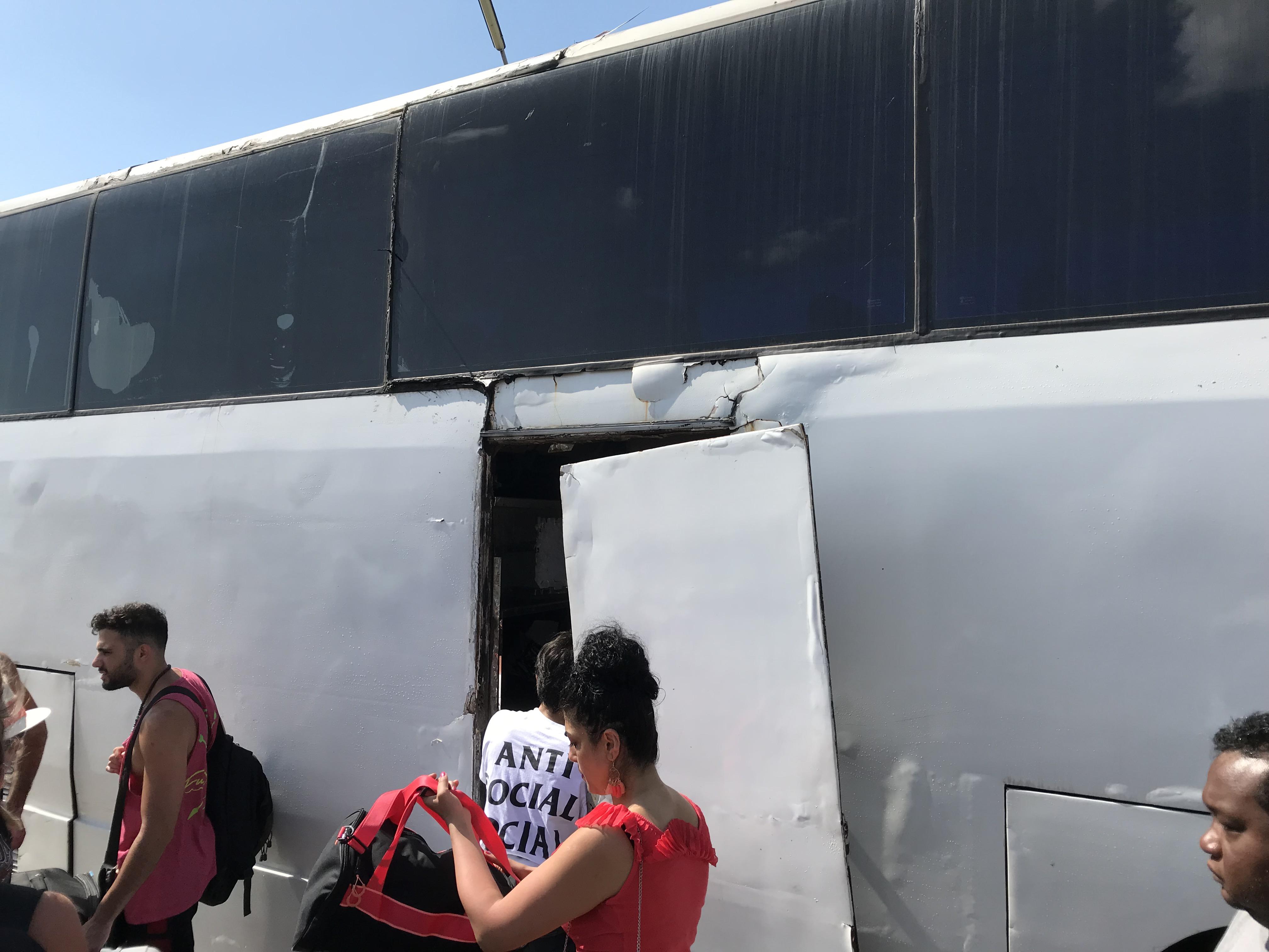 ボロいバス