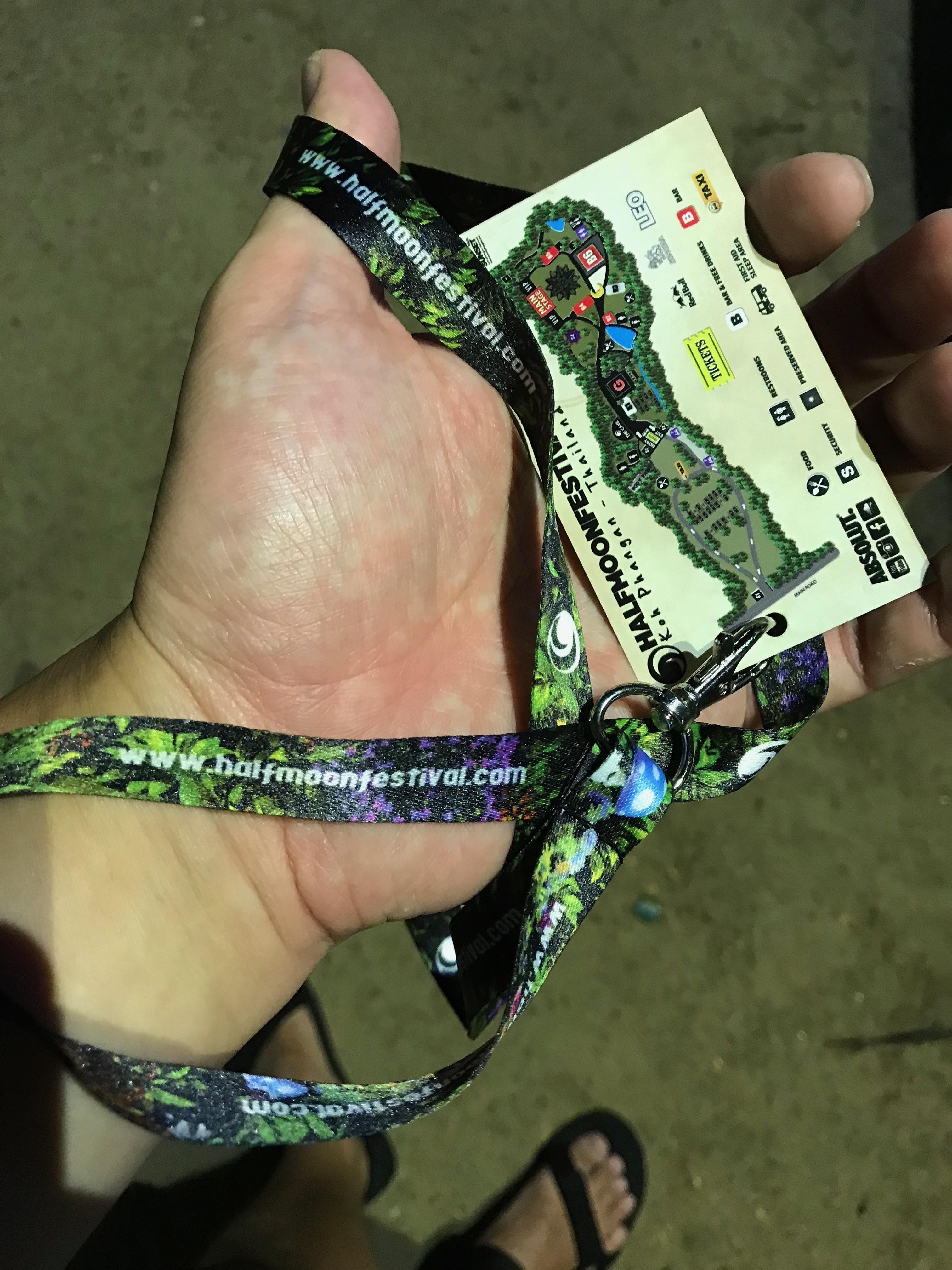 ハーフムーン チケット2