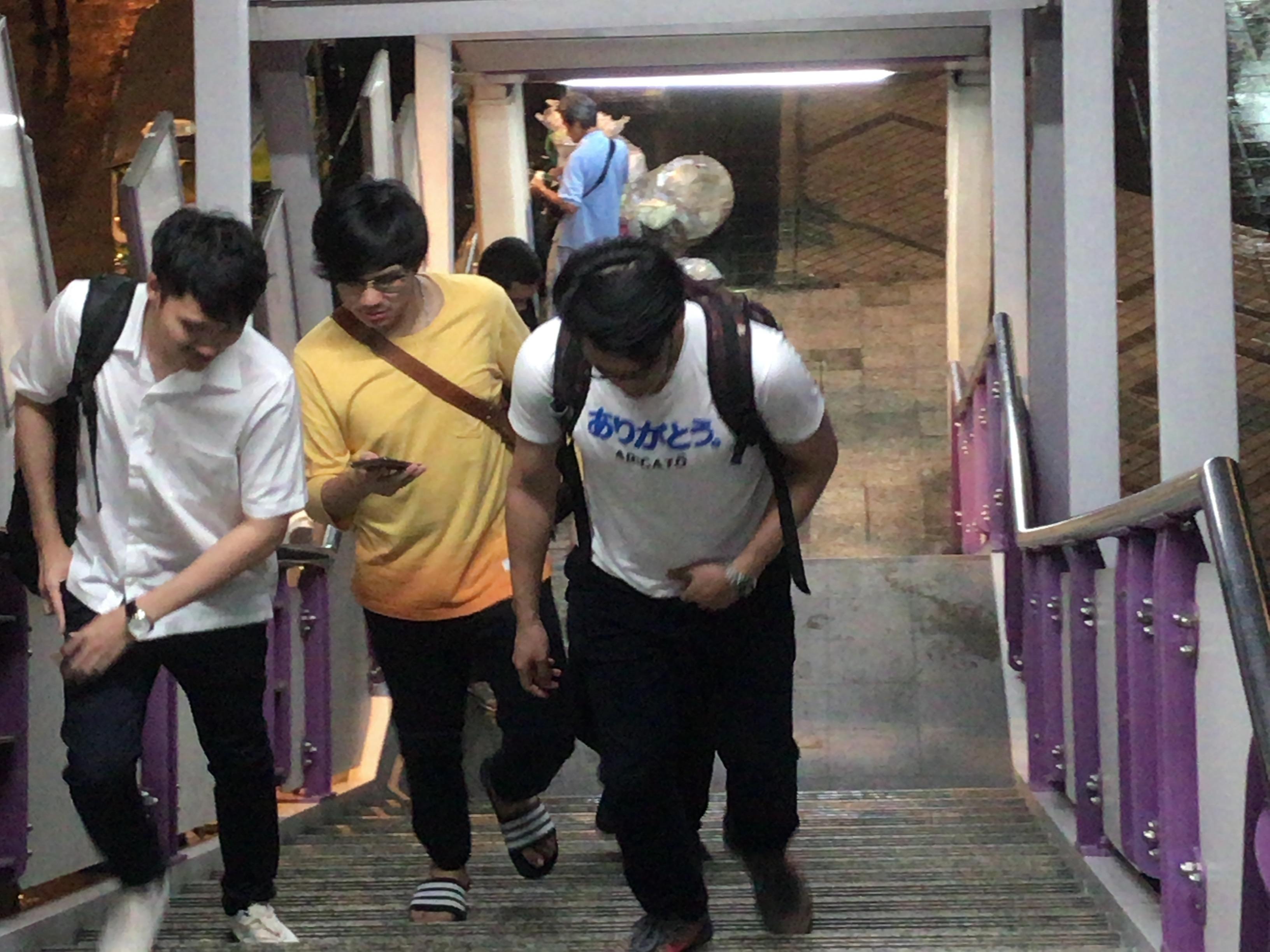 タイ おもしろTシャツ
