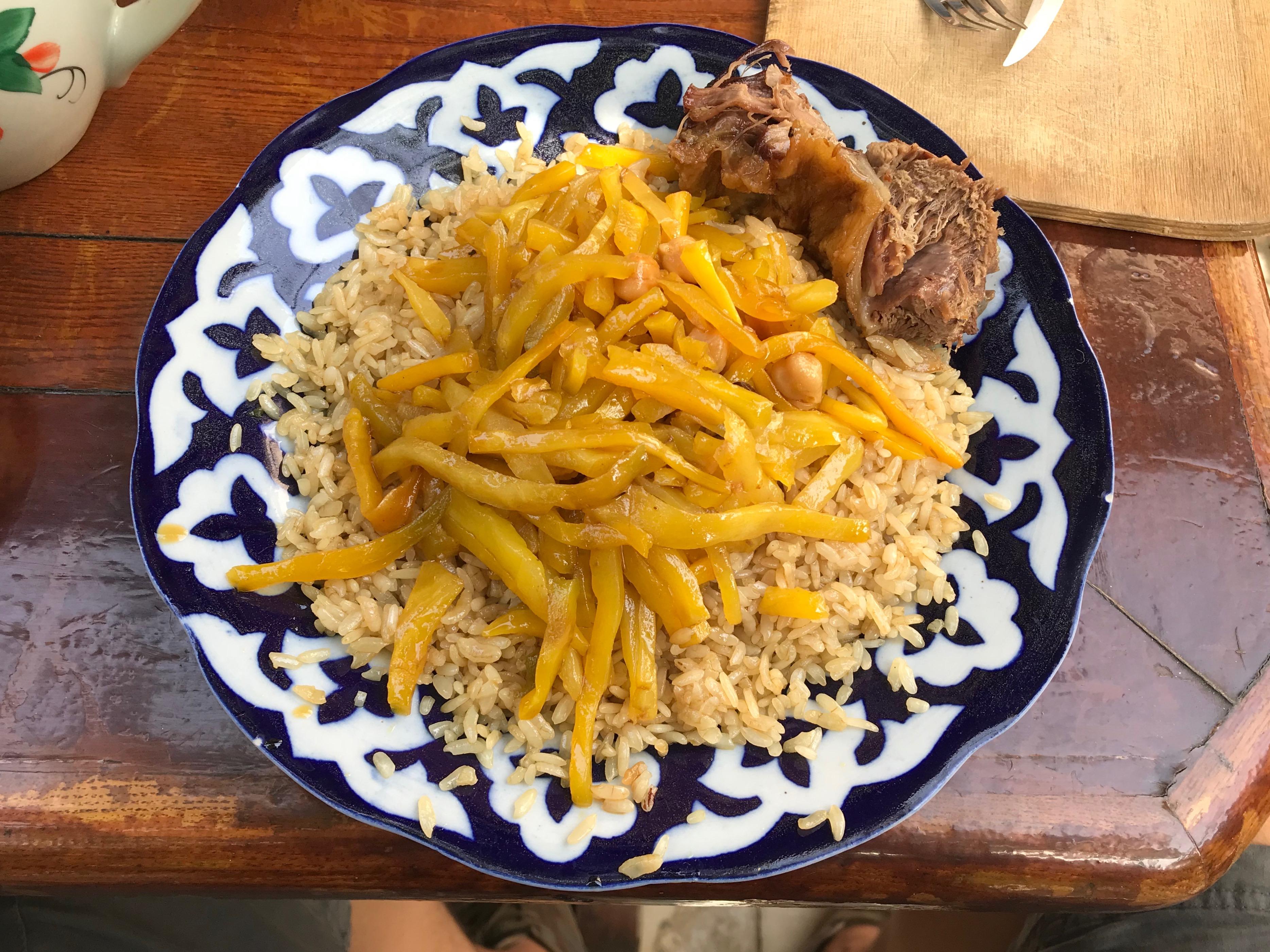 "Restoran ""Tomiris"" Alisher Osh"