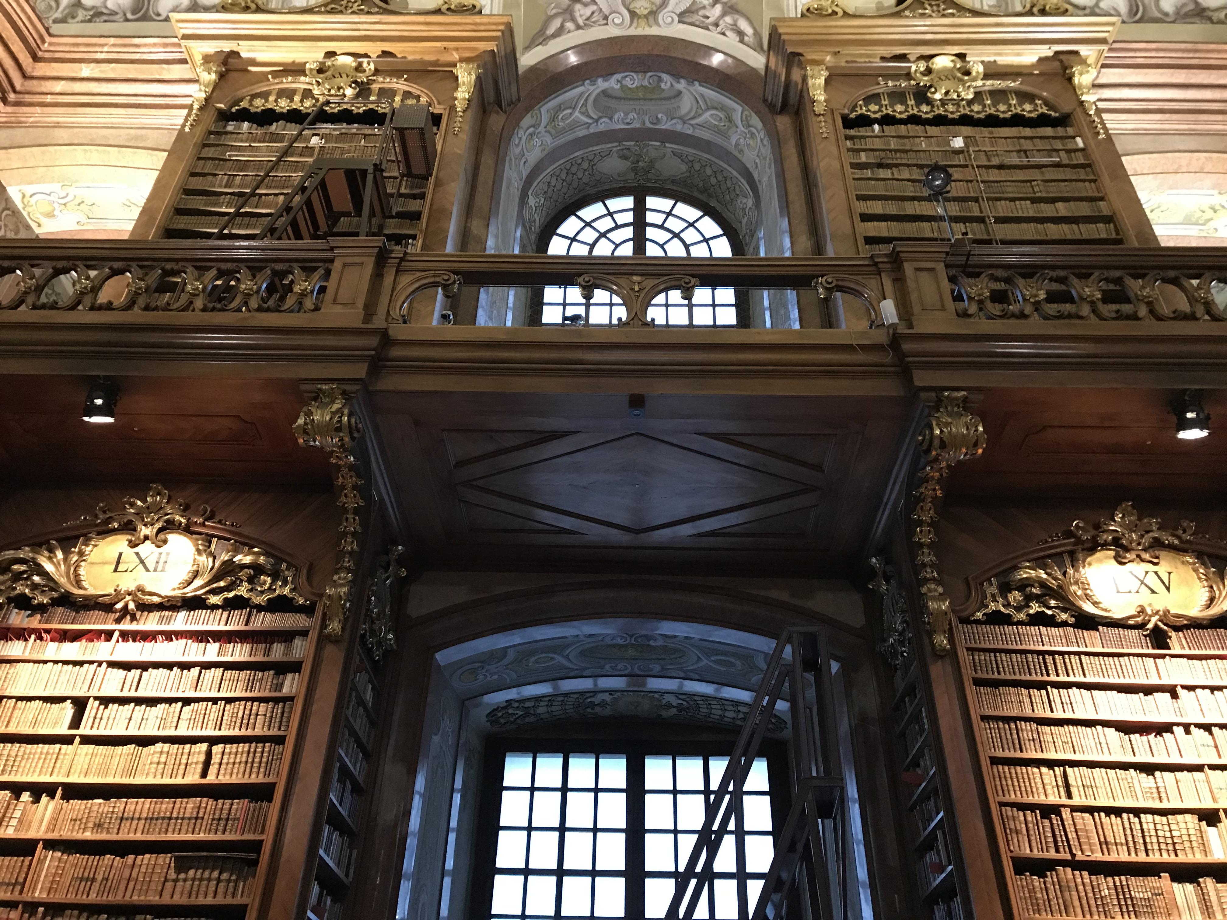 世界一綺麗な図書館