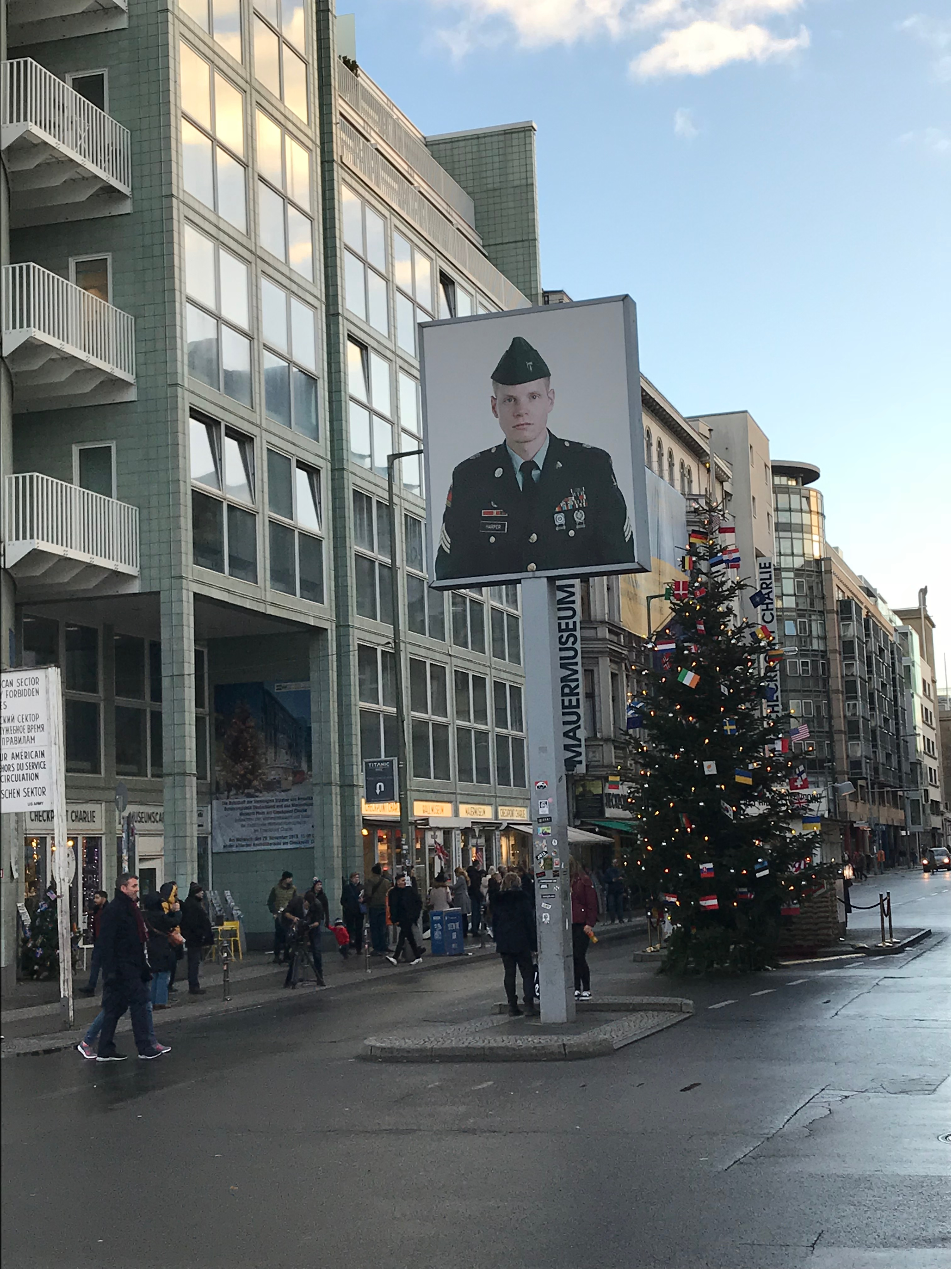 チェックポイントチャーリー Checkpoint Charlie