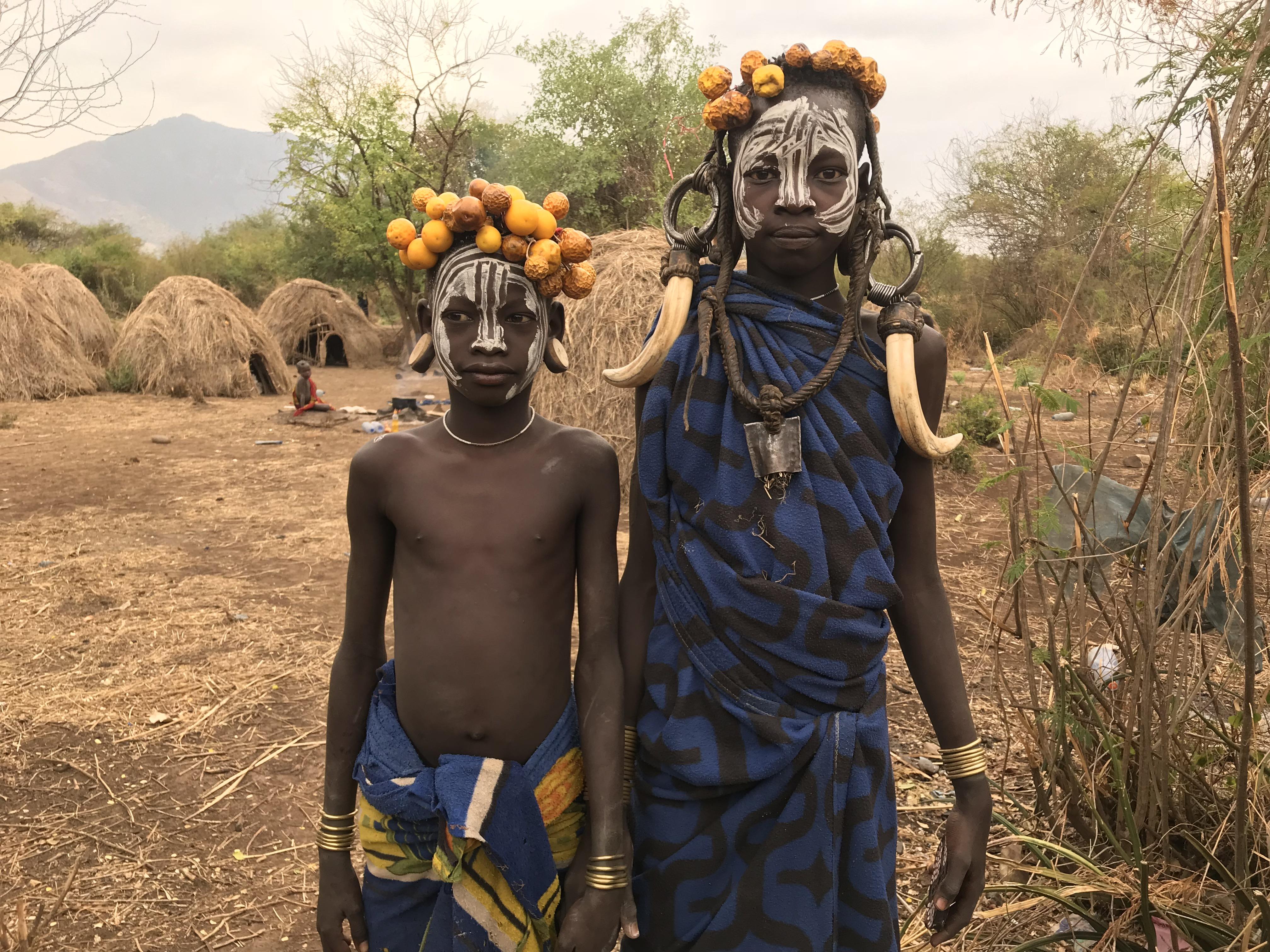 ムルシ族の村