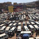 人の密度も車の密度も高いウガンダのカンパラに到着