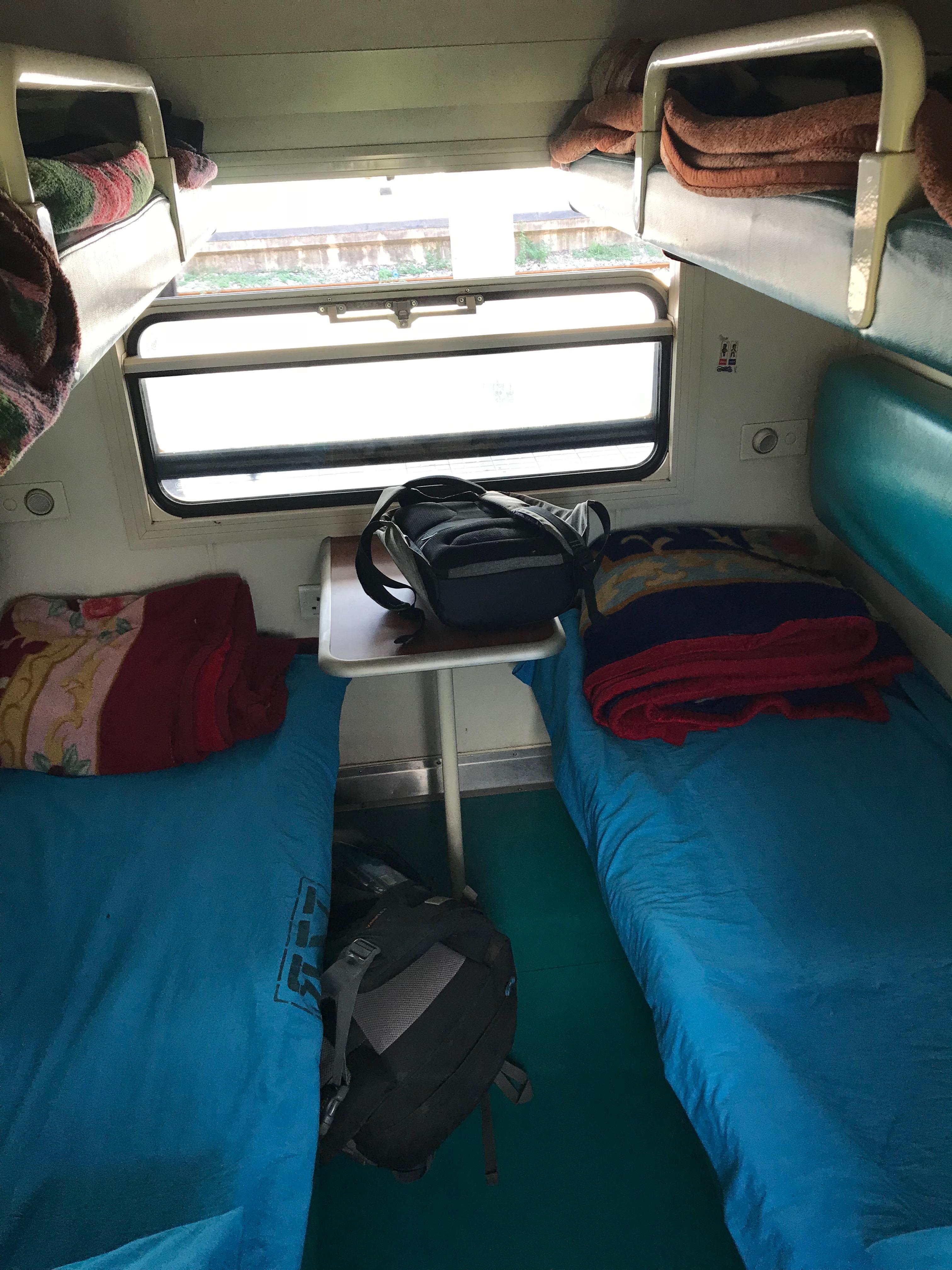 タンザン鉄道4人部屋