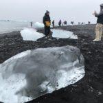 氷山の氷が流れ着くダイヤモンドビーチ