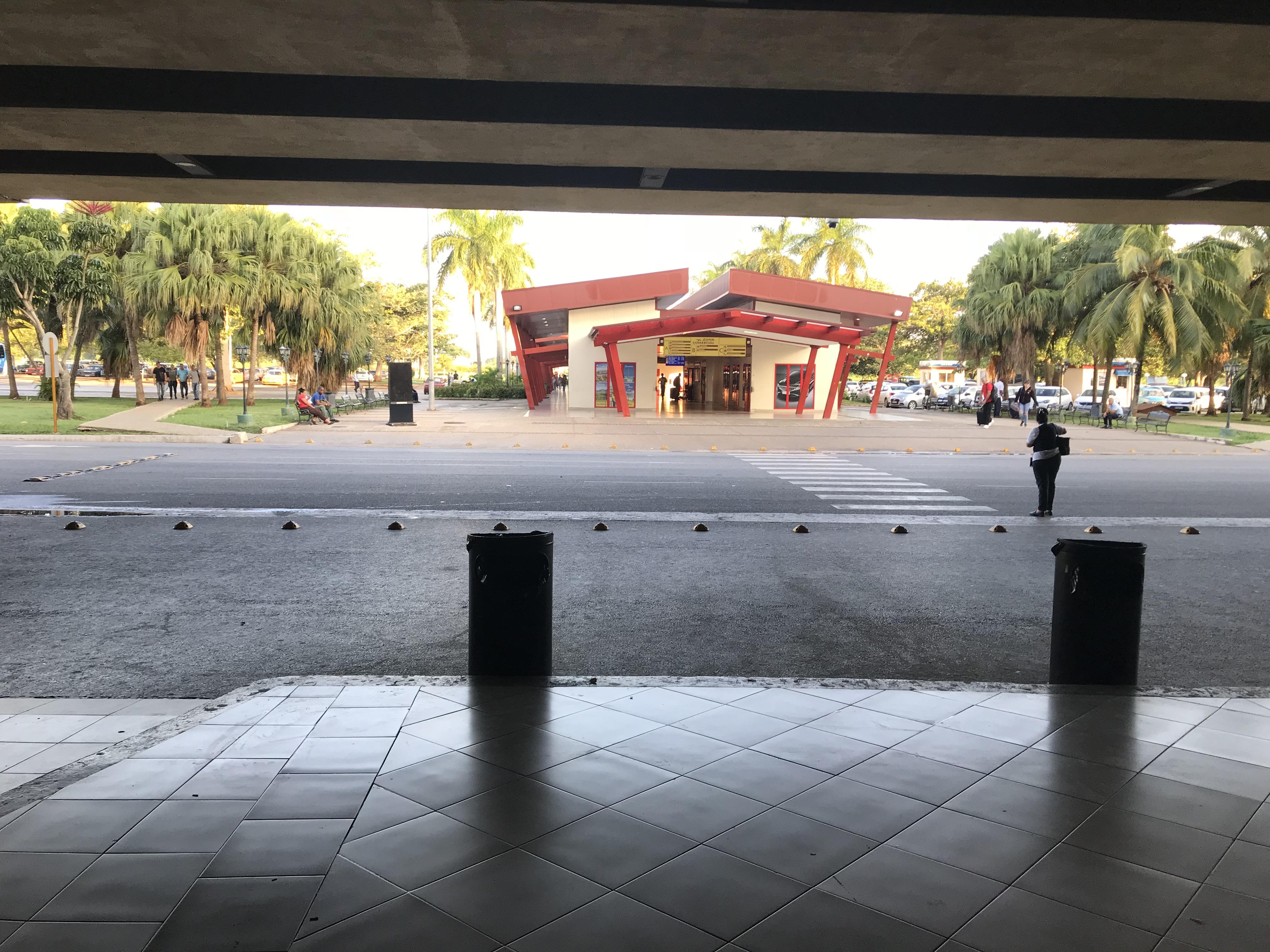 ハバナ空港から市内