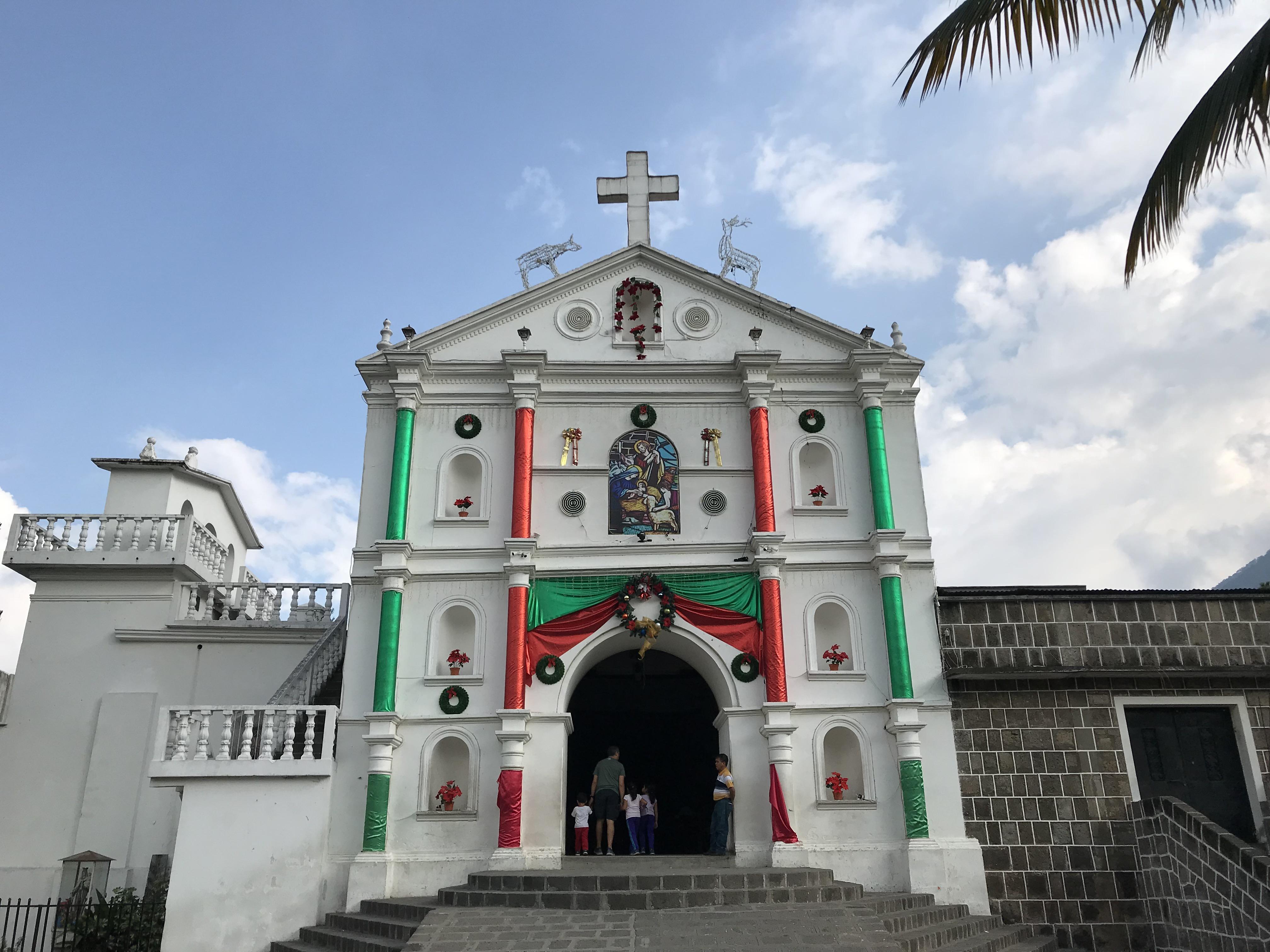 サン・ペドロ ラ・ラグナ