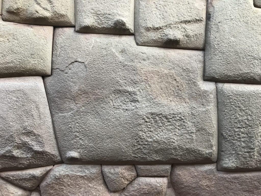クスコ 12角形の石